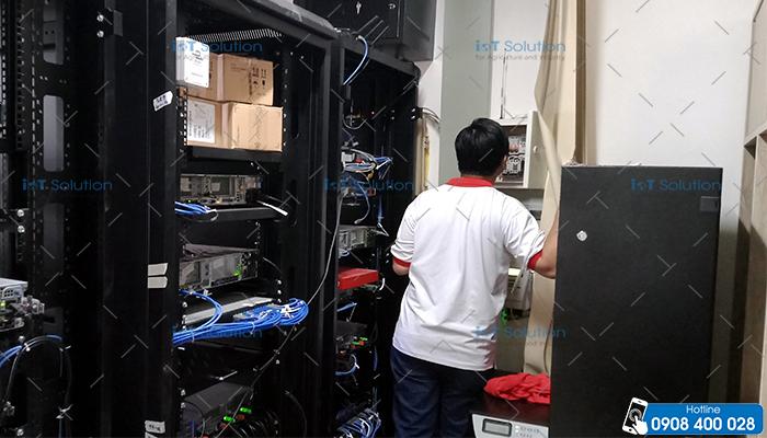 Lắp đặt hệ thống cảnh báo nhiệt độ phòng Server
